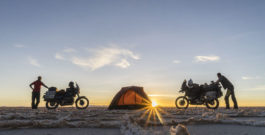 Die Kino-Premiere der beiden Dresdner Motorradreisenden um die Welt ist der 25. Januar 2020!